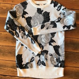Forever 21 Exclusive Black & White Rose Sweater
